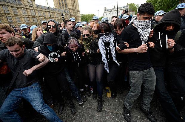 UK_Johtava_antifasisti_raiskasi_tovereitaan