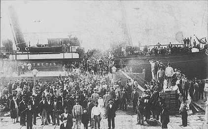 Vuosina 1880–1914 arviolta kaksi miljoonaa jiddišiä puhuvaa aškenasijuutalaista muutti USA:han.