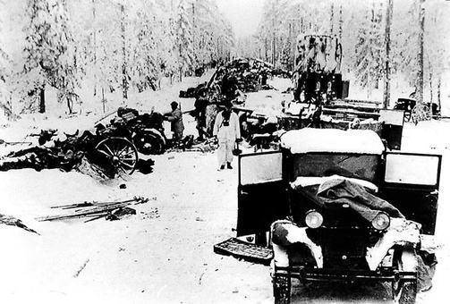 Suomalaiset sotilaat käyttivät maastoa hyväkseen muun muassa Raatteentiellä motittaessaan ja tuhotessaan koko puna-armeijan 44. divisioonan.