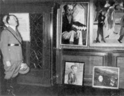 Adolf Hitler rappiotaiteen näyttelyssä 1937.