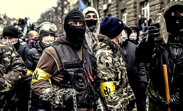 Соціал-Nаціональна Асамблея -järjestön aktiiveja.