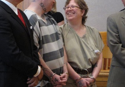 Jeremy ja Christine Moody oikeudessa.
