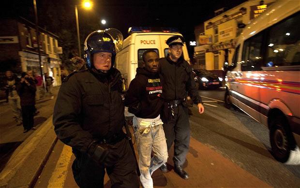 riots-arrest-enfie_1968338i