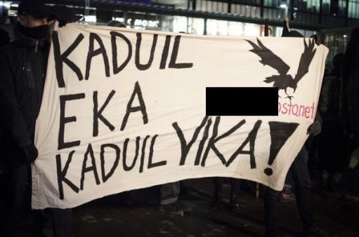 Naamioitunut Gurbanov mainosti suomalaista äärivasemmistolaista verkkosivua 2014.
