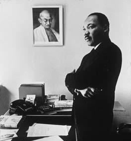 AK_Gandhi_King