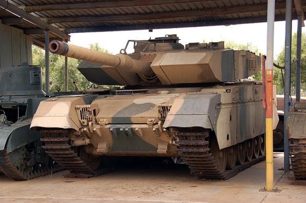 Olifant-tankki – vuonna 2003 SANDF:illa oli vain neljä panssarivaunua toimintakuntoisina.
