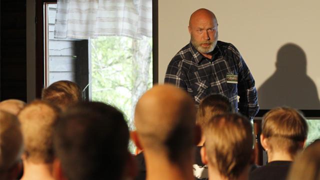 Lund piti puheen Suomen Vastarintaliikkeen Tulevaisuuspäivillä 2015.