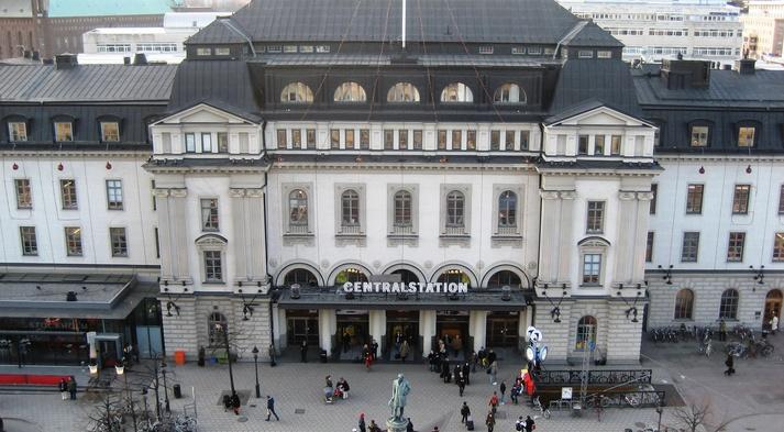 HLBT-liikkeen historiasta muistuttavia kylttejä on tarkoitus asentaa muun muassa Tukholman keskusrautatieasemalle.