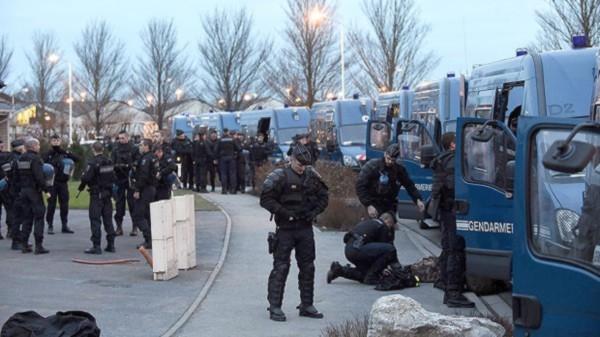 UK_poliisi_Calais