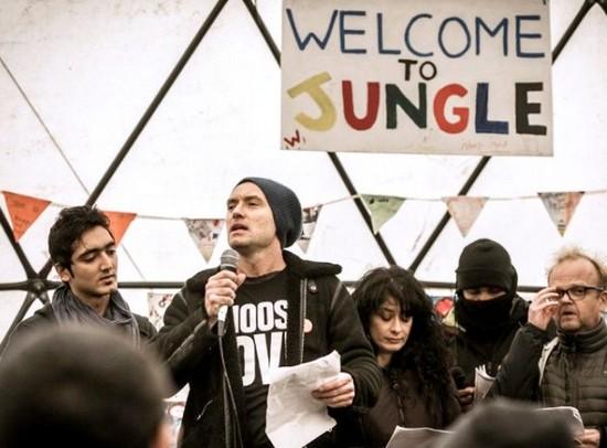 Tähti oli matkannut Calais'n Viidakkoon tukeakseen siirtolaisia.