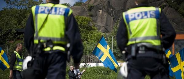 UK_poliiseja_Ruotsissa