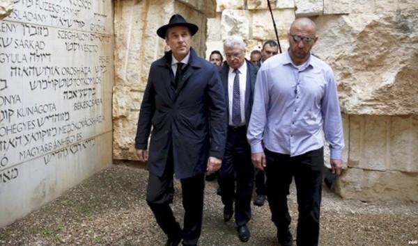 FPÖ:n puoluejohtaja Strache holokaustin muistomerkeillä Israelissa.