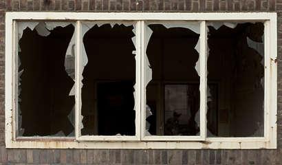 UK_rikotut_ikkunat