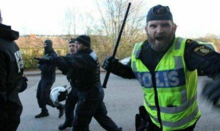 Poliisiväkivaltaa kansallissosialisteja vastaan Ruotsissa